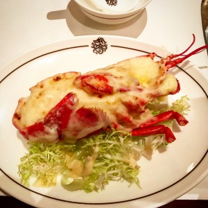 baked-boston-lobster-with-cheese