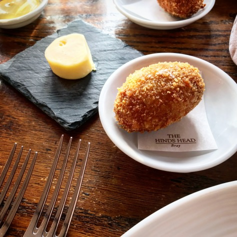 The Hinds Head Bray England One Michelin Star United Kingdom Great Britain Heston Blumenthal Pub Lunch Snack Scotch Egg